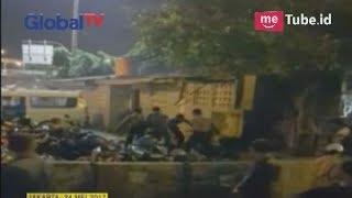Video Video Detik Detik Ledakan Bom Bunuh Diri di Kampung Melayu - BIP 25/05 MP3, 3GP, MP4, WEBM, AVI, FLV Januari 2019