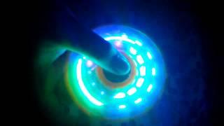 Spinner LED Menyala dalam Gelap