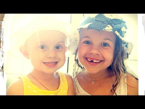 Видео для детей. Передаем всем, всем большой привет! Ксюша и Алиса на море! (видео)