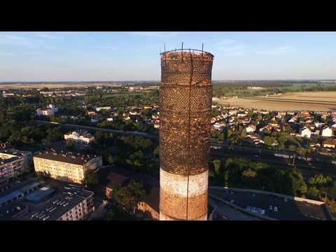 Wideo1: Komin zgubił już parę cegieł