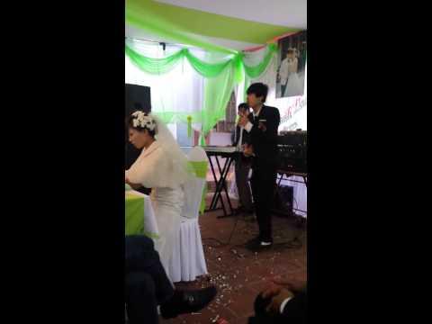 Chú rể hát tặng cô dâu Chắc ai đó sẽ về