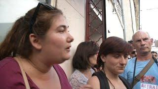 Video Une jeune chômeuse interpelle Emmanuel Macron qui prend ses coordonnées MP3, 3GP, MP4, WEBM, AVI, FLV Mei 2017