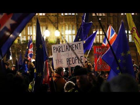 Großbritannien: 317 zu 301 - britische Abgeordnete fü ...