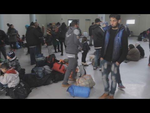 Προσωρινά καταλύματα οι αίθουσες αναμονής επιβατών του ΟΛΠ σε πρόσφυγες και μετανάστες