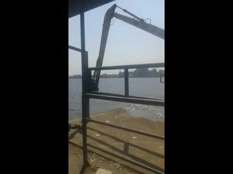 بالفيديو: الحوامدية اليوم ترصد تطهير مجرى نهر النيل لإعادة تشغيل العبارة