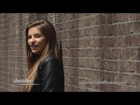 julia - http://juniorsongfestival.nl Alle finalisten van het Junior Songfestival hebben een eigen videoclip opgenomen. Dit is Julia met haar zelfgeschreven nummer 'A...