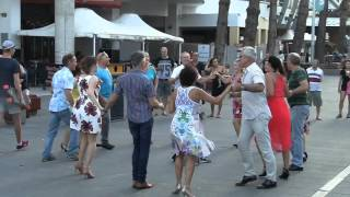International Rueda de Casino Multi Flashmob 2016 - Surfers Paradise, Australia