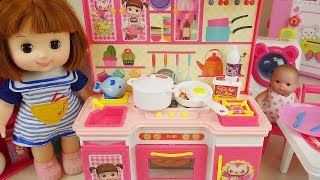 Video Baby doll kitchen and refrigerator cooking food toys play MP3, 3GP, MP4, WEBM, AVI, FLV Mei 2017