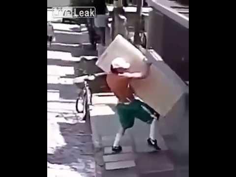Niepozorny koleś i akcja z lodówką :D