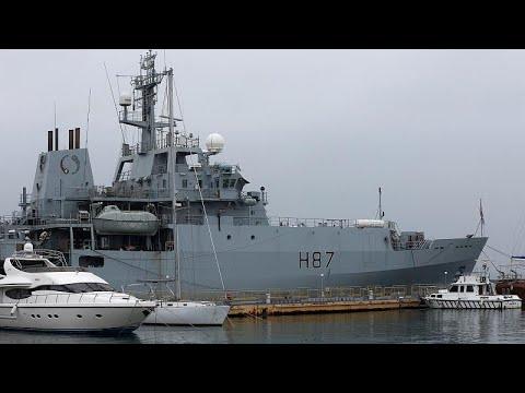 Στη μάχη της αναχαίτισης μεταναστών το βρετανικό πολεμικό ναυτικό…
