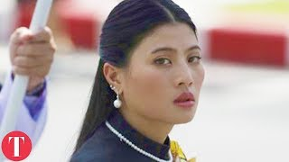 Video Inside The Lives Of Thailand's Royal Family MP3, 3GP, MP4, WEBM, AVI, FLV Februari 2019