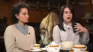 Video The queens (kweens) of 'Broad City': Abbi Jacobson and Ilana Glazer MP3, 3GP, MP4, WEBM, AVI, FLV Mei 2018