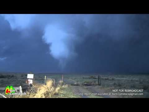 Eva, Oklahoma Multivortex Tornado (04/15/16) (видео)