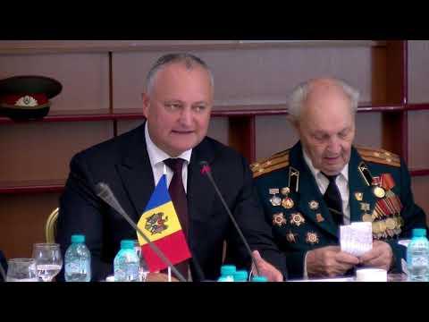 Глава государства принял участие в военно-историческом форуме, организованном по случаю 74-летия со дня Освобождения Молдовы от немецко-фашистских захватчиков