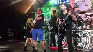 Video Nickelback ft. Avril Lavine in HD Rockstar at The Greek MP3, 3GP, MP4, WEBM, AVI, FLV Juli 2018