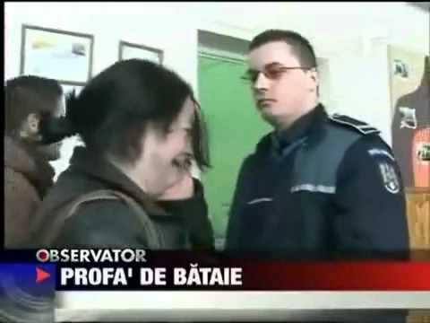 Rumunka uderza Policjanta - i wice wersa
