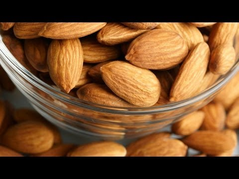 how to apply almond oil on face