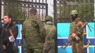 Krim: Russische Milizen greifen weitere Militärbasis an