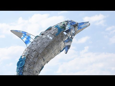 Barcelona crea art amb els residus de Sant Joan