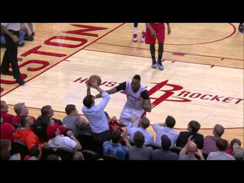 Video: Dwight Howard Dives Across 2 Rows of Seats In the Stands