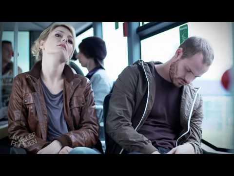 Video Unangenehmer Bus-Nachbar - Knallerfrauen mit Martina Hill download in MP3, 3GP, MP4, WEBM, AVI, FLV January 2017