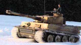 1/16 Sherman&Tiger Rc Battle Tank Tamiya In Winter Snow