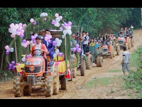 Xôn xao clip chú rể dùng 6 máy cày rước dâu ở xứ Nghệ