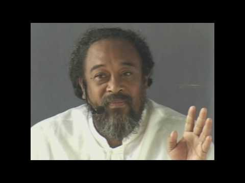 Mooji – Find what can not pass.