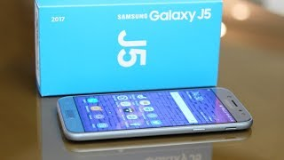 Galaxy J5 (2017) to najlepszy telefon w serii. Czy to wystarcza, aby go polecić? Samsung Galaxy J5 (2017) jest dostępny w sieci Play: http://bit.ly/Play_J5_2017Zostaw lajka i daj suba! http://bit.ly/sub_mobzillaDaj też suba Playowi! Play jest fajny :) http://bit.ly/sub_playZerknij też na fanpage'a Mobzilli - https://www.facebook.com/MobzillaShoworaz na mojego Twittera - https://twitter.com/mobzillatva jeśli chcesz kupić fajny smartfon, możesz go wybrać wraz z ofertą w sieci Play - http://www.play.pl/telefony/Telefony_mnp