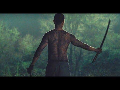 Predators [2010, HD720p] - Predator vs samurai fight (predator battle against yakuza)