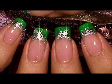 nail art - french verde con glitter