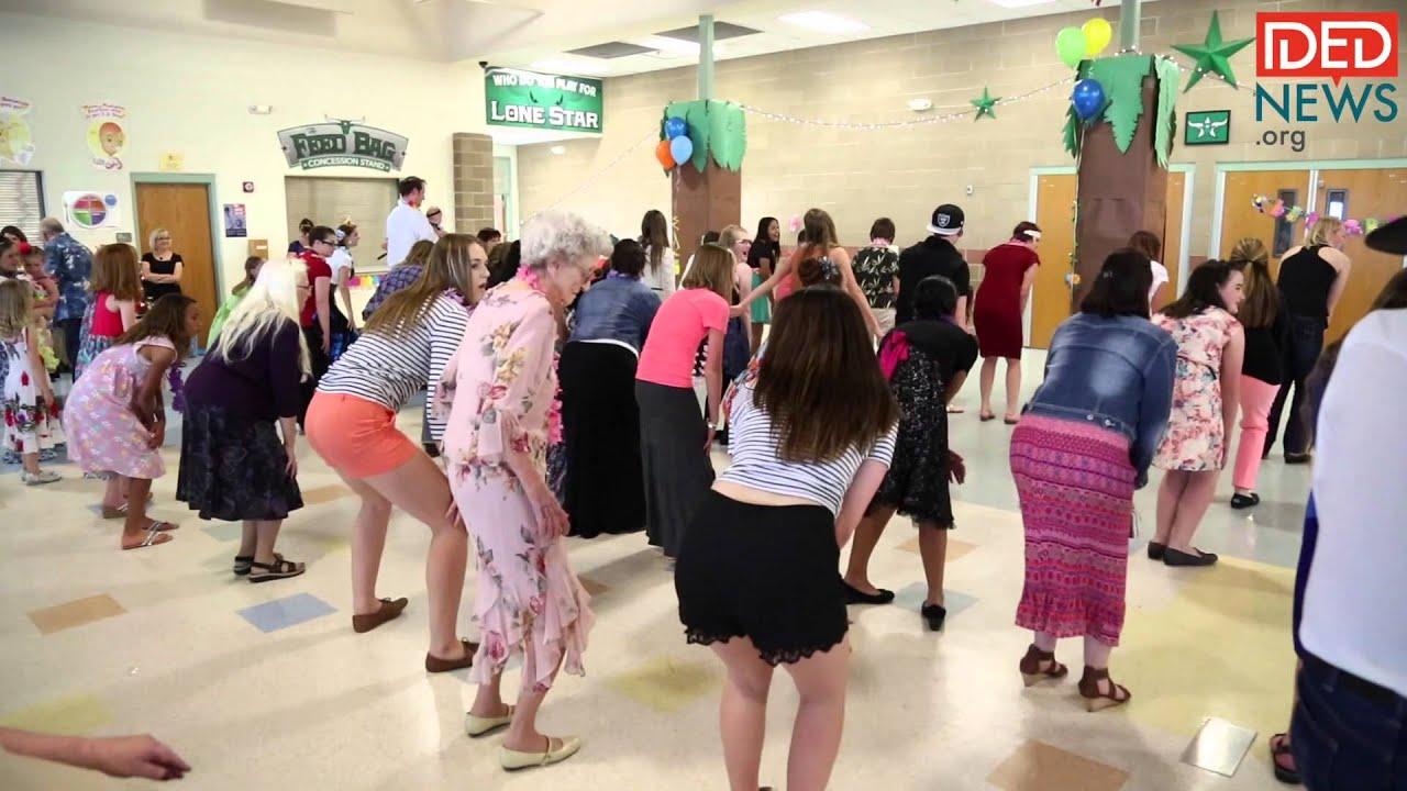 Teens host prom for senior citizens
