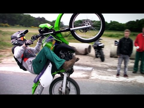 Crazy 2stroke Wheelies (Kawasaki KMX 125)