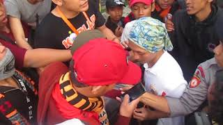 Video Nyaris Di Bantai Anak The Jak Saat Viking Menyusup Ke Tribun Timur MP3, 3GP, MP4, WEBM, AVI, FLV November 2017