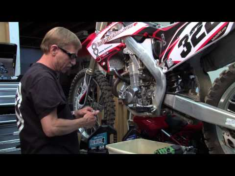 Crf450 - http://www.dirtillustrated.com Teddy Boyko show you how to make you Honda CRF450 engine last 25% longer. He shows you the difference between the High end bil...