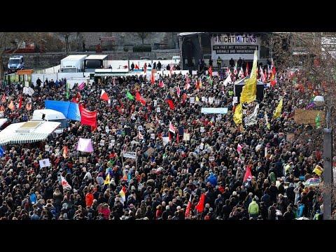 Erfurt: Tausende bei der Großdemonstration »Kein Pakt ...