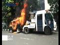 Tak Terima Dirazia Mobil Dibakar Pemiliknya  Bis 03 02