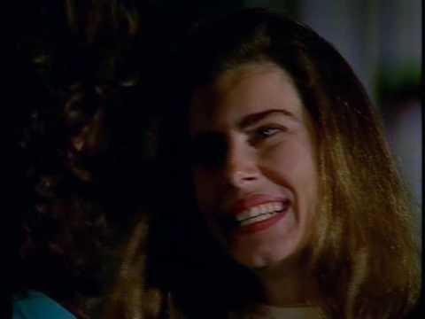 LÚCiA VERíSSiMO e MAiTÊ PROENÇA em O Sorriso do Lagarto 1991 Vídeo 2