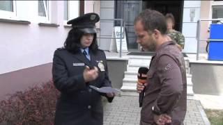 Totalny świr odwala akcje podczas wywiadu z policjantką…