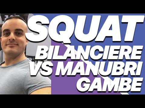 Squat: meglio con bilanciere o manubri?
