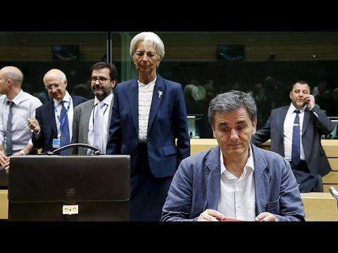 Κομισιόν: Και επισήμως στο τραπέζι η αναδιάρθρωση του ελληνικού χρέους