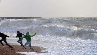 Video ATENCION a la ola gigante: Temporal 2014 olas temporal ondas marea MP3, 3GP, MP4, WEBM, AVI, FLV Oktober 2018