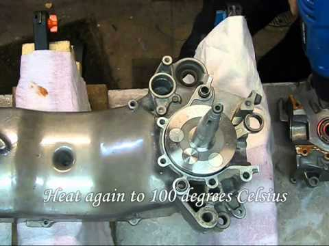 Hassse - 1st Gloves on rinsing of bearings and crank with gasoline 2nd Blow off with compressed air (do not let the balls roll too fast) 3rd Put the ball bearing in a...