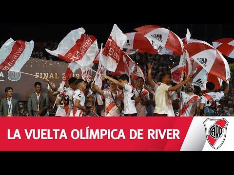 LA VUELTA OLÍMPICA DESDE ADENTRO. ¡Esta banda es puro carnaval!