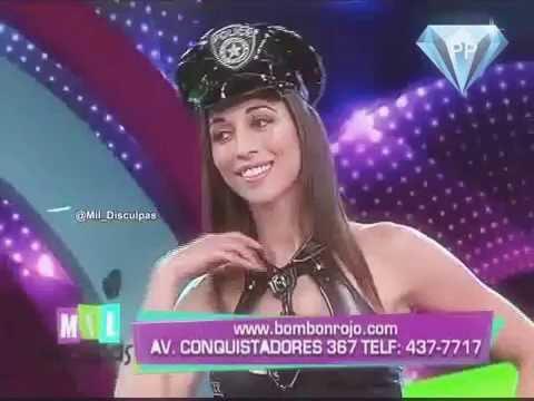 Olinda Castañeda Policia y Colegiala Atrevida