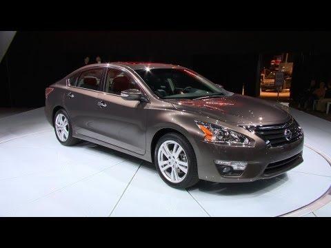Nissan  NY Auto Show: 2013 Nissan Altima