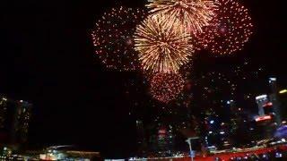 Video Singapore Marina Bay 2016 New Year Countdown Fireworks MP3, 3GP, MP4, WEBM, AVI, FLV Oktober 2017