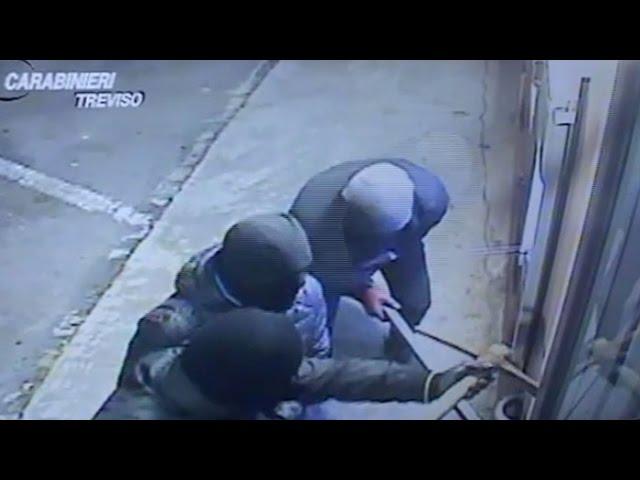 Assalti ai bancomat, sgominate due bande di giostrai dai Carabinieri di Treviso
