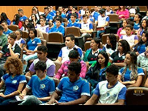 TCE Notícias - Cerca de 300 alunos de Cuiabá e VG participam do TCEstudantil...