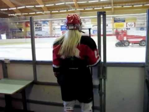 14 Year old girl ice hockey player (Iceland)
